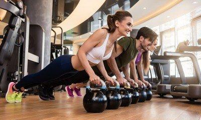 групови тренировки, групови занимания, групов спорт, групов фитнес, упражнения в група